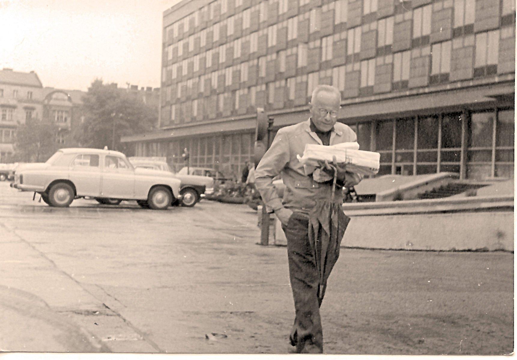 1971_StanislawLem-HotelCracovia