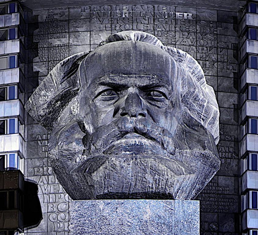 Karl-Marx-Monument_in_Chemnitz-wyr